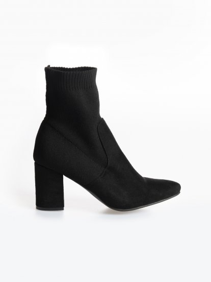 Block heelded sock ankle boots