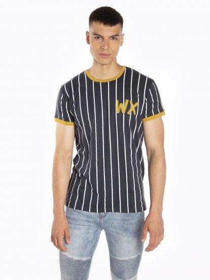 Pruhované tričko s kontrastním lemováním