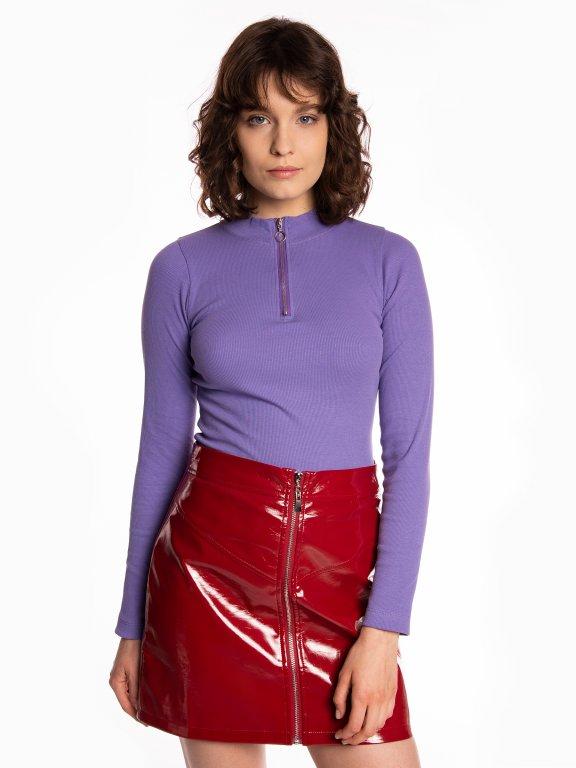 Long sleeve t-shirt with zipper