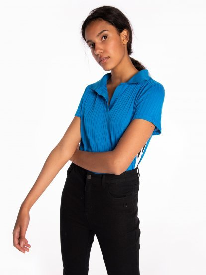 Ribbed polo shirt with side stripes