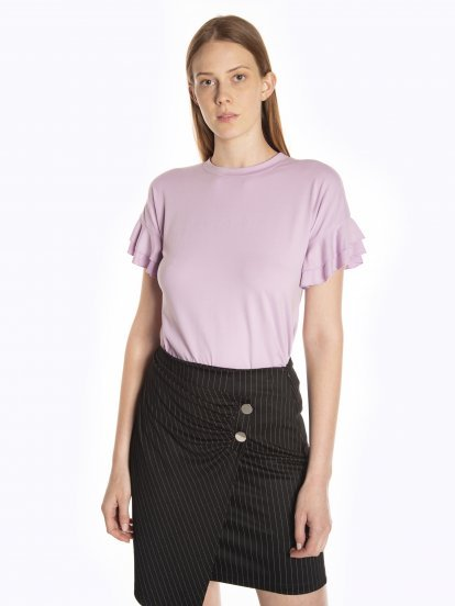 T-shirt with ruffle sleeves