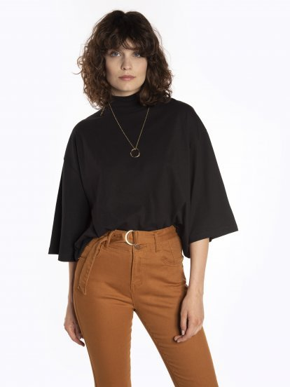 Boxy t-shirt with high neck