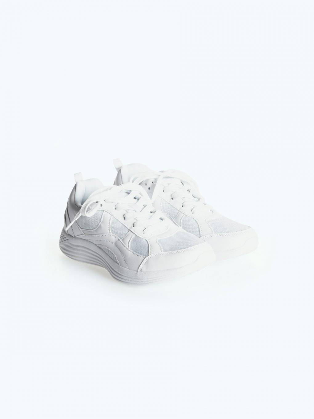 Lace-up sports sneakers