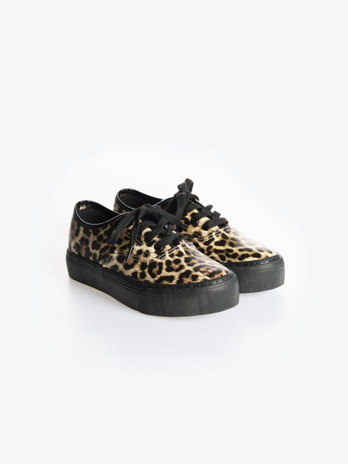 Animal design platform sneakers