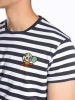 Koszulka w prążki z haftem