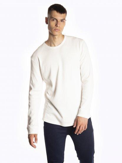 Basic waffle-knit long sleeve t-shirt