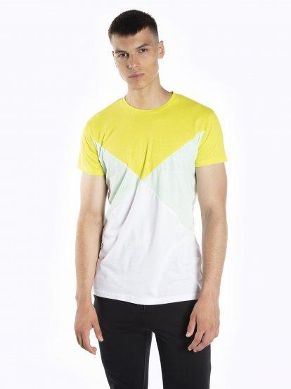 Vícebarevné tričko