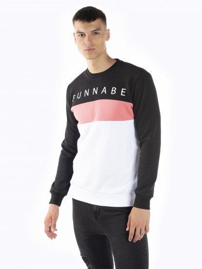 Color block sweatshirt with print