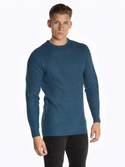 Plain rib-knit pullover