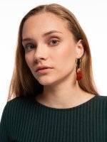 Hoop earrings with tasses