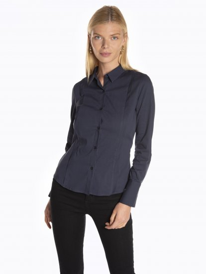 Slim fit stretchy shirt