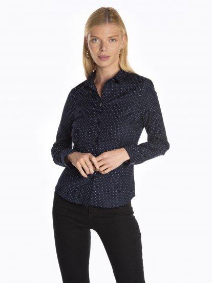 Stretchy slim fit shirt