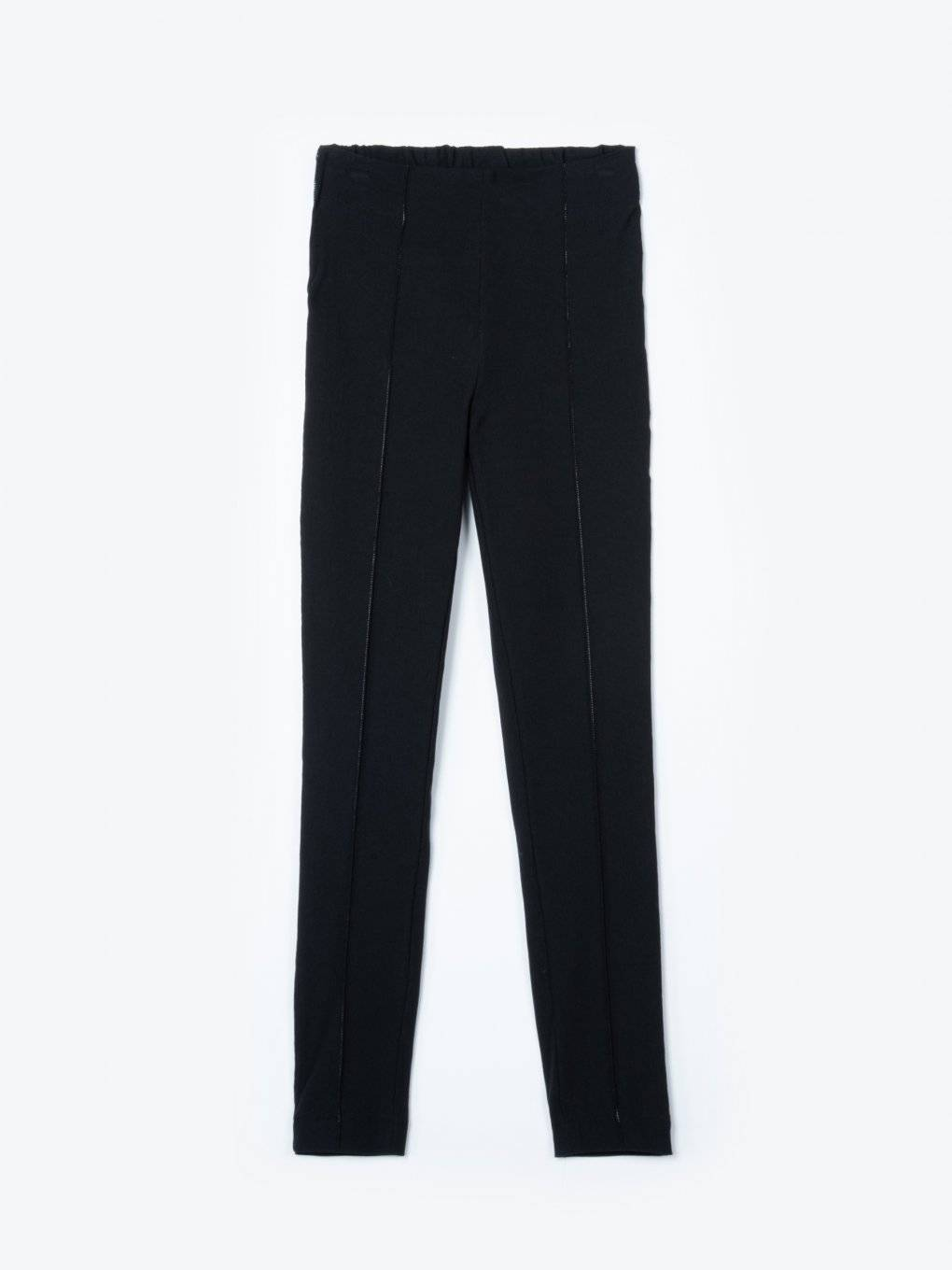 Slim fit elastic pants with contrast stitching