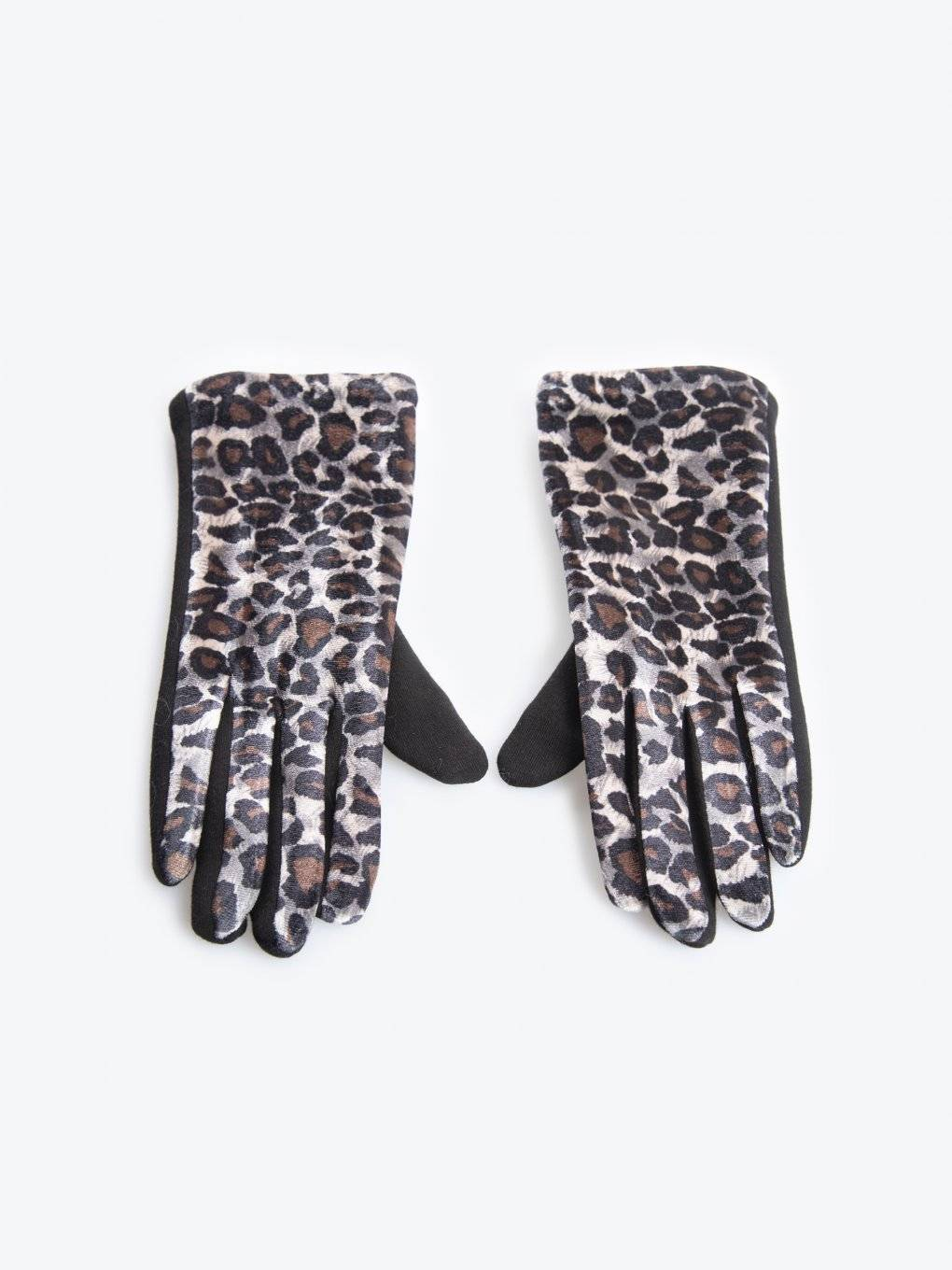 Animal pattern touchscreen gloves