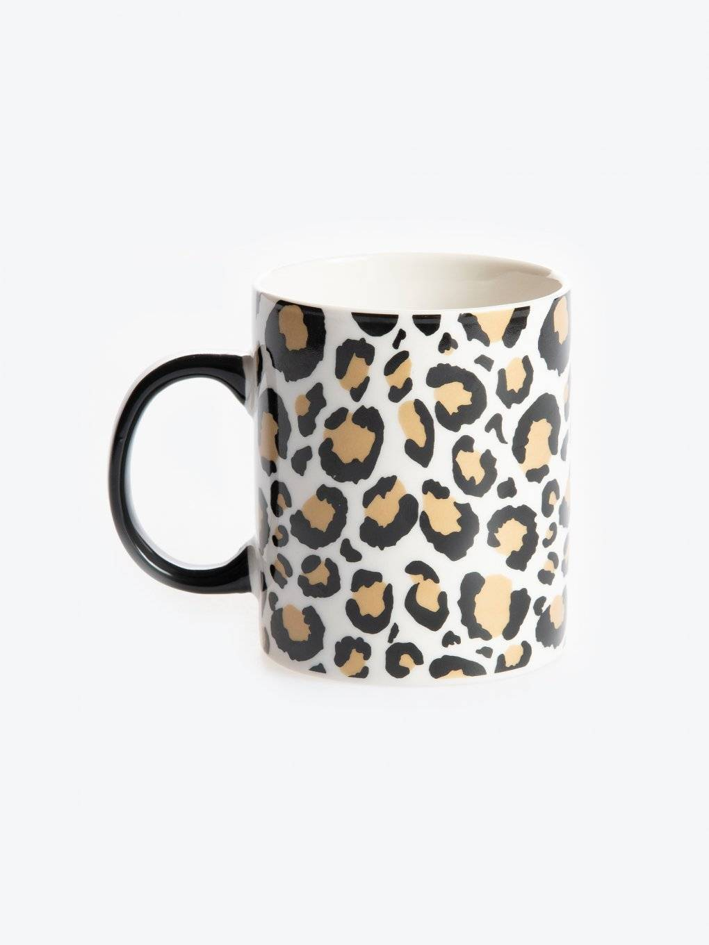 Porcelain mug with animal design