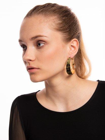 Hoop earrings with animal design