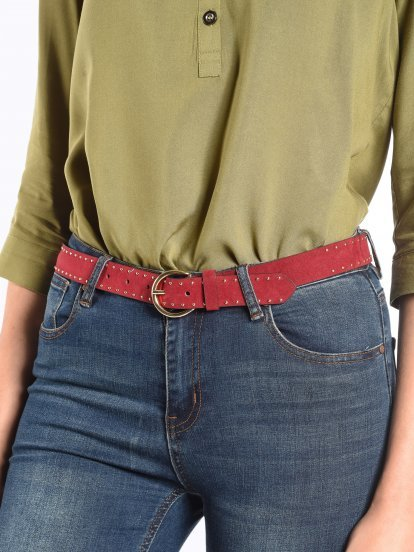 Belt with metallic details