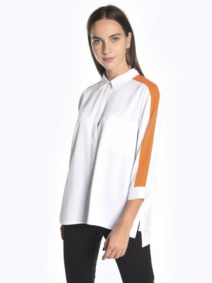 Blouse with contrast stripes