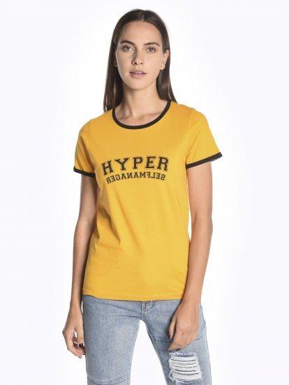Tričko s potlačou a kontrastným lemom