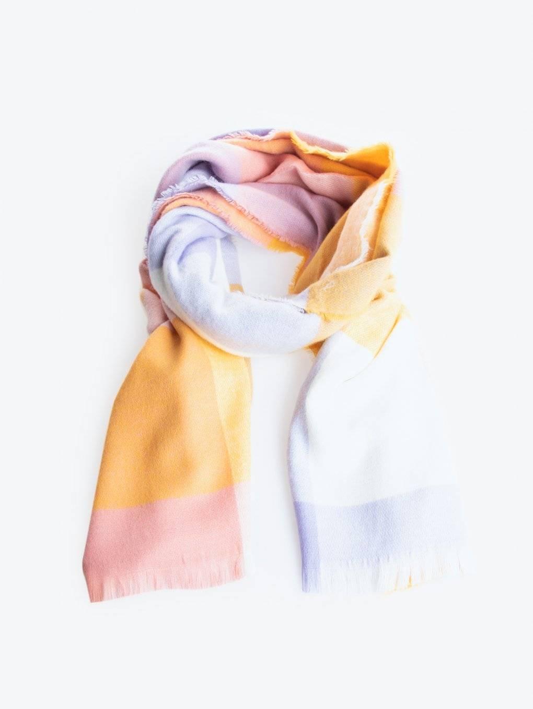 Barevný šál
