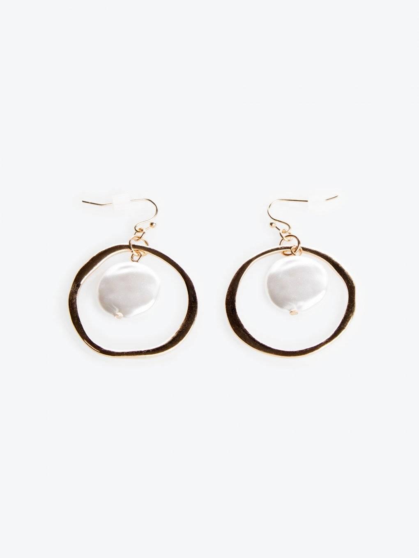 Visiace náušnice s perlami