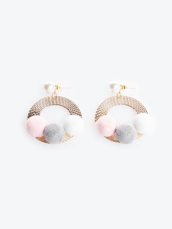 Drop earrings with pom poms