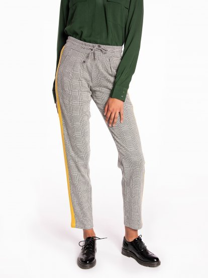 Plaid taped carrot fit trousers