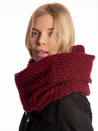 Structured snood
