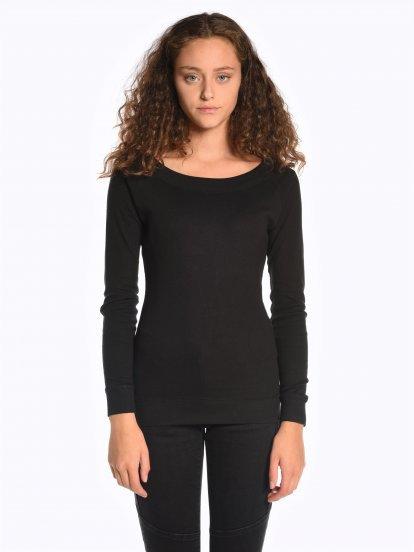 Basic long sleeve wide collar t-shirt