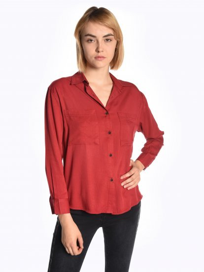 Viscose blouse with chest pockets
