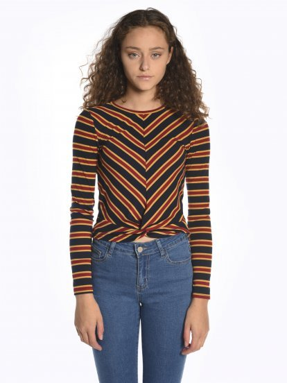 Jacquard top with front knot