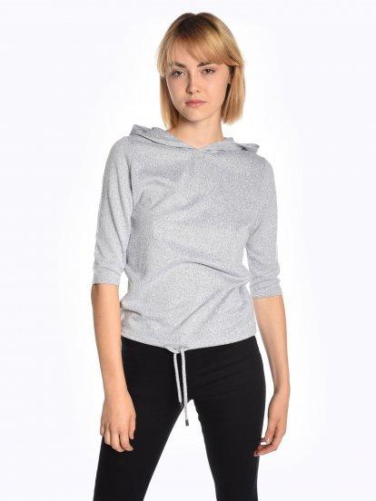 Hooded 3/4 sleeve t-shirt