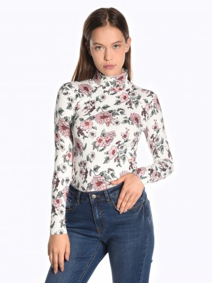Floral print roll neck t-shirt