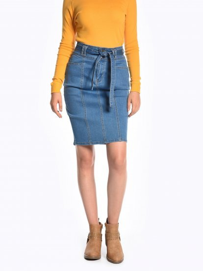 Bodycon denim skirt with belt
