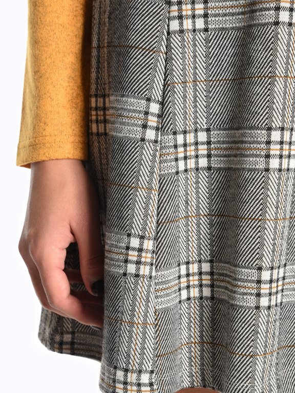 Károvaná áčková sukně