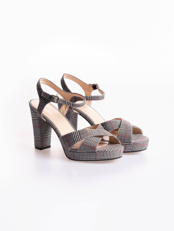 Kárované sandále na vysokém podpatku