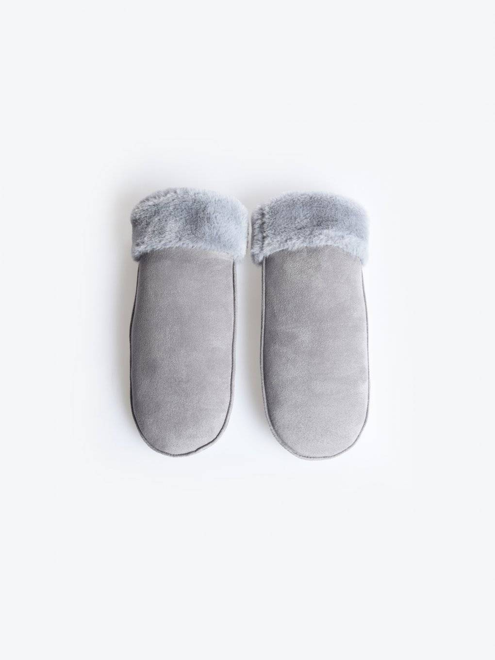 Faux fur lined mittens