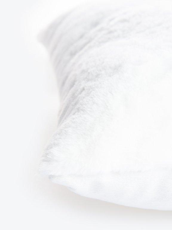 Polštář z umělé kožešiny