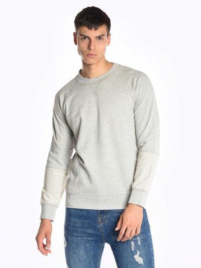 Basic raglan sleeve sweatshirt