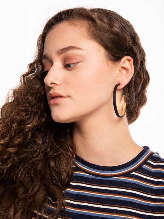 Hoop earrings with faux leather detail