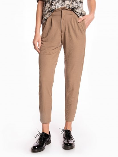 Tapered stretchy trousers