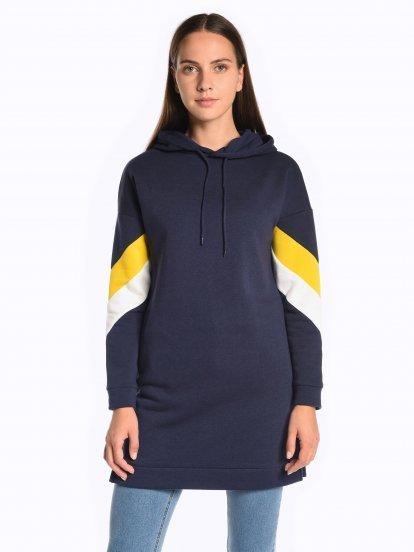 Longline hoodie with stripes on sleeves
