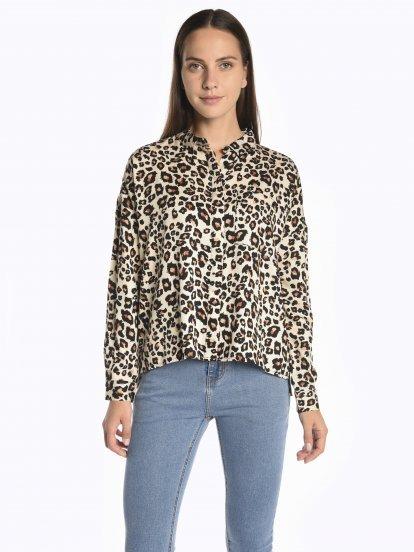 Oversized leopard print viscose blouse