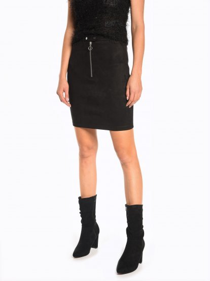 Pencil skirt with zipper