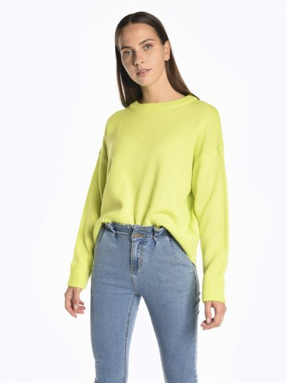 Oversized neon jumper