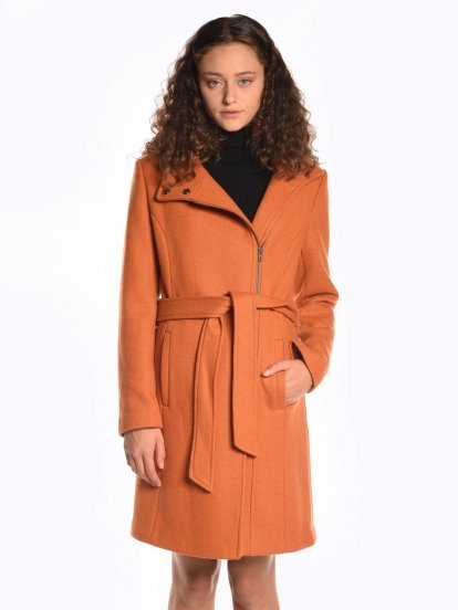 Zip-up coat in wool blend