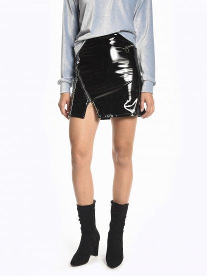 Spódnica mini z zamkami z winylowym efektem