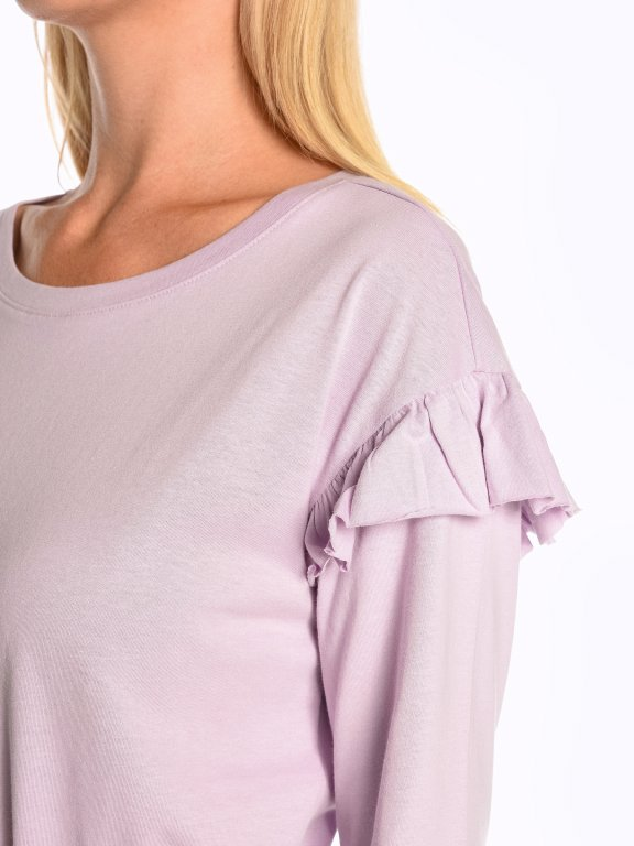 Long sleeve crew neck t-shirt with ruffles