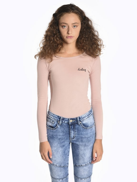 Tričko s dlhým rukávom a výšivkou