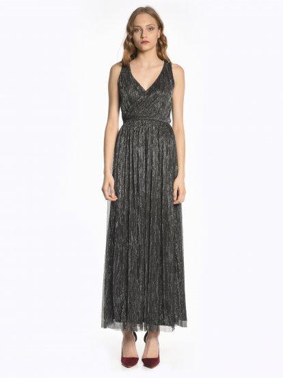 Długa kopertowa metaliczna sukienka wieczorowa